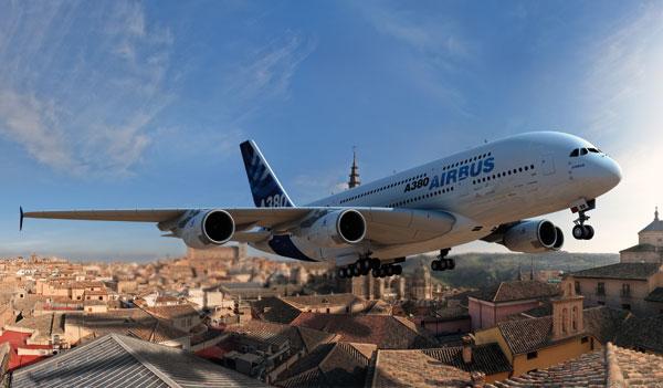 Airbus 380 en vuelo rasante sobre Toledo